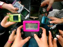 The way of teenager communication and its disadvantages