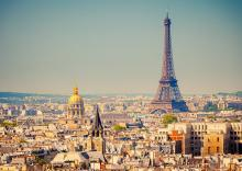 paris: tourist guide